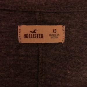 Hollister Tops - Hollister gray half sleeve